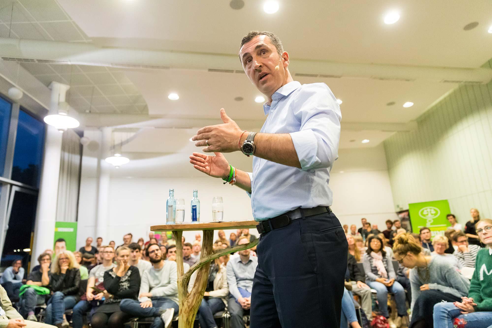 Porträt Cem Özdemir, Bundesvorsitzender der Partei Bündnis 90/Die Grünen